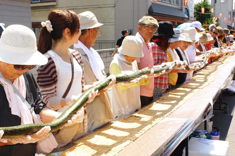 216-meter-long Dragon Sushi roll