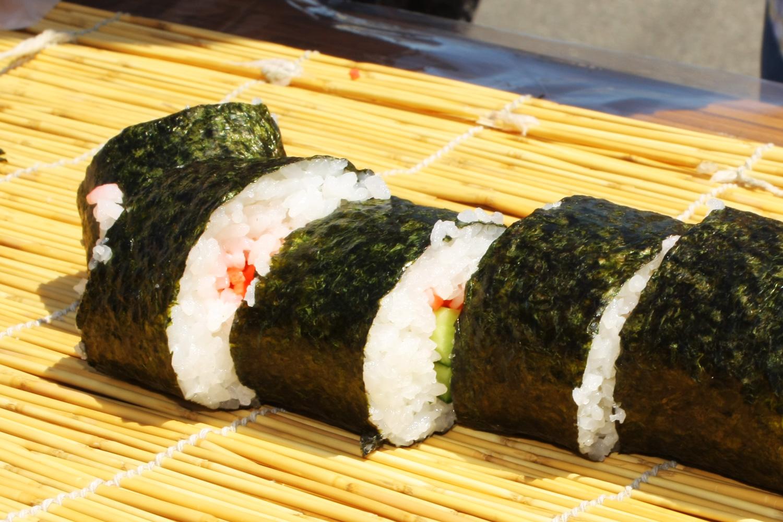 Long sushi roll of Tsuruta