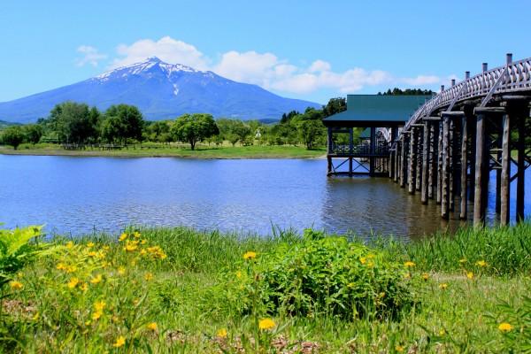 Mt. Iwaki and Tsugaru Fujimi Lake